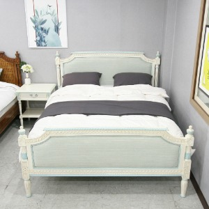 Louie Blue White Bed